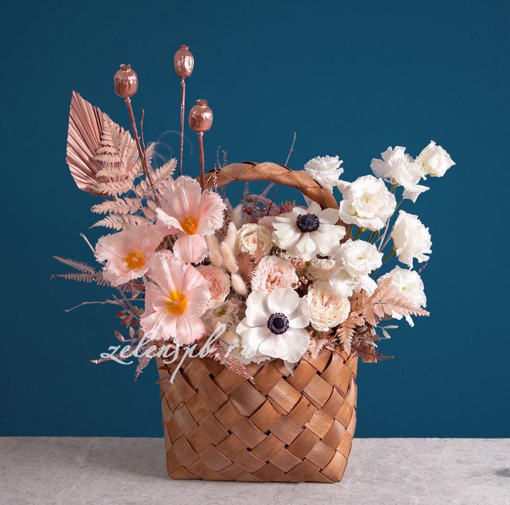 Корзина с анемонами в пудровых тонах №1 - купить цветы в Санкт Петербурге