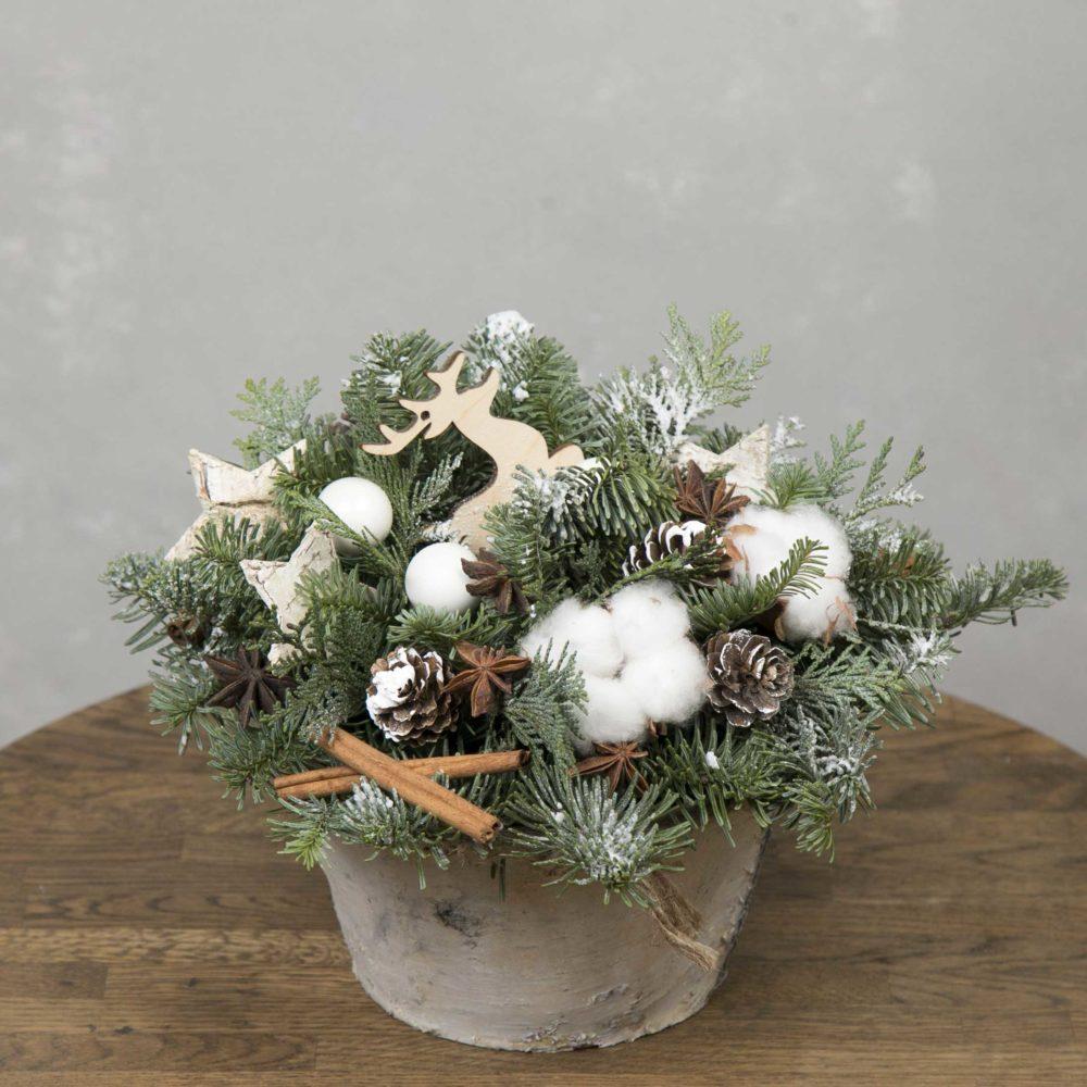 Новогодняя композиция из натуральной ели с хлопком и шишками №10 - купить цветы в Санкт Петербурге