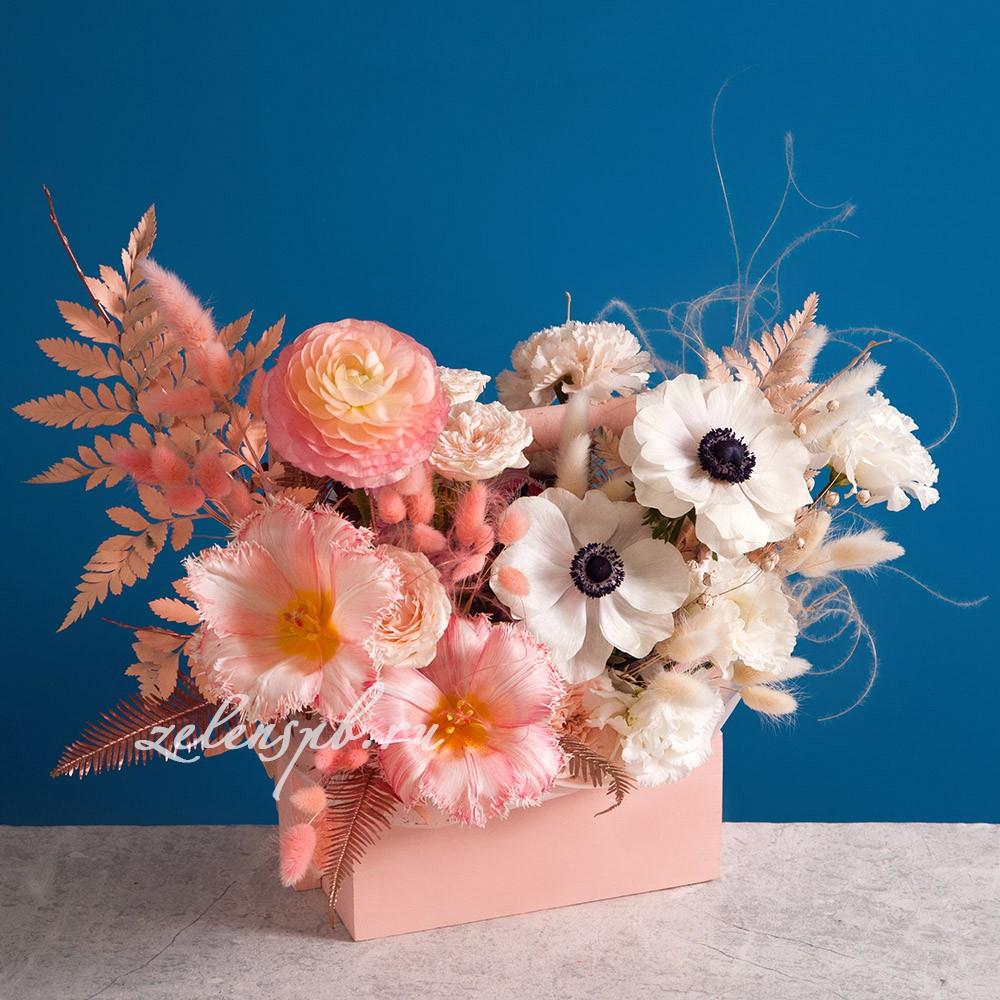 Ящик в персиковой гамме №6 - купить цветы в Санкт Петербурге