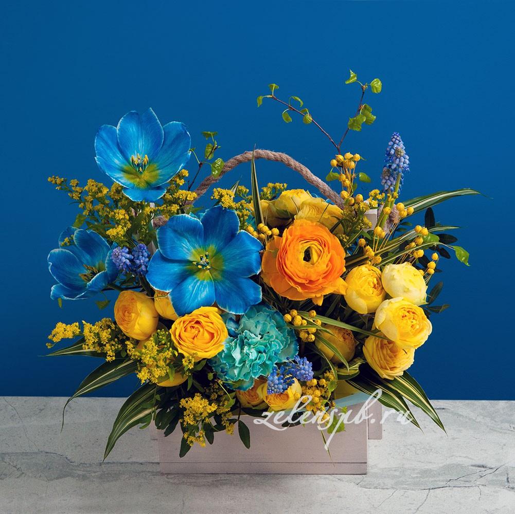 Ящик в желто-синей гамме №1 - купить цветы в Санкт Петербурге