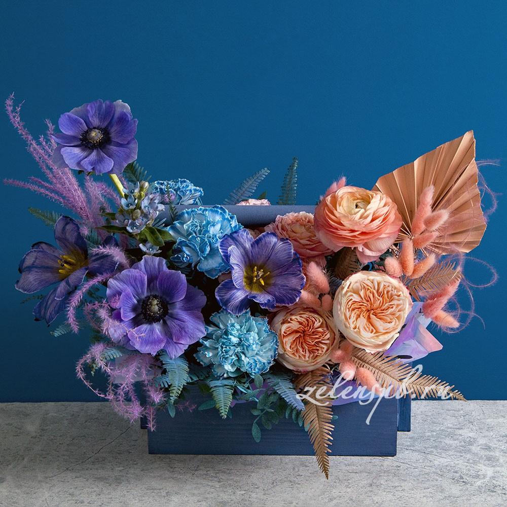 Ящик в фиолетово-персиковой гамме №5 - купить цветы в Санкт Петербурге
